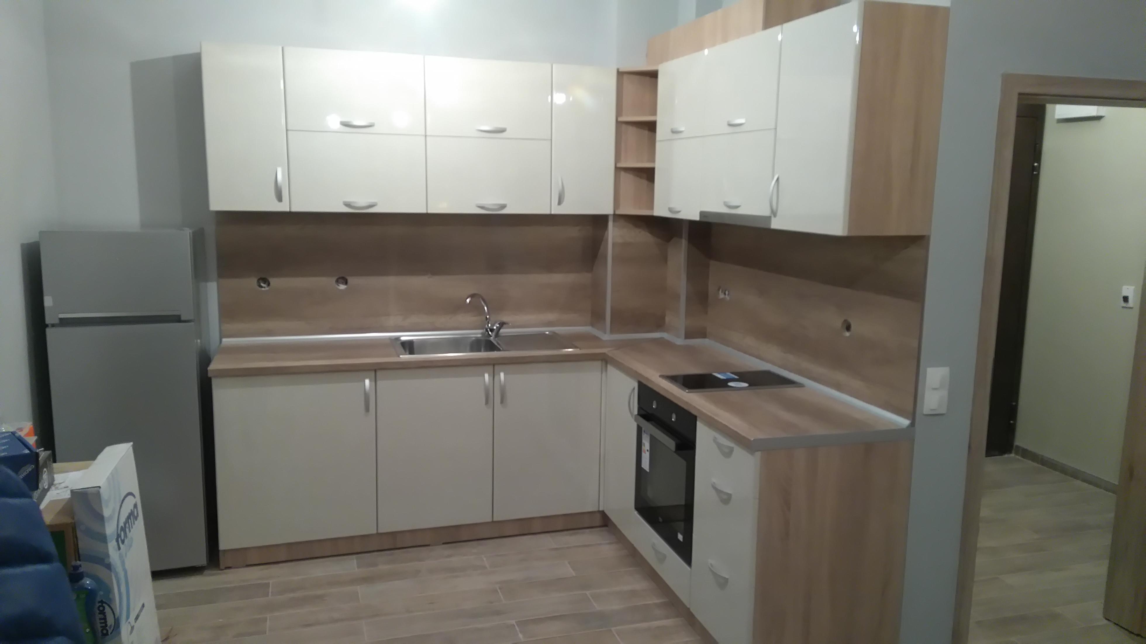 Кухня с постформинг врати