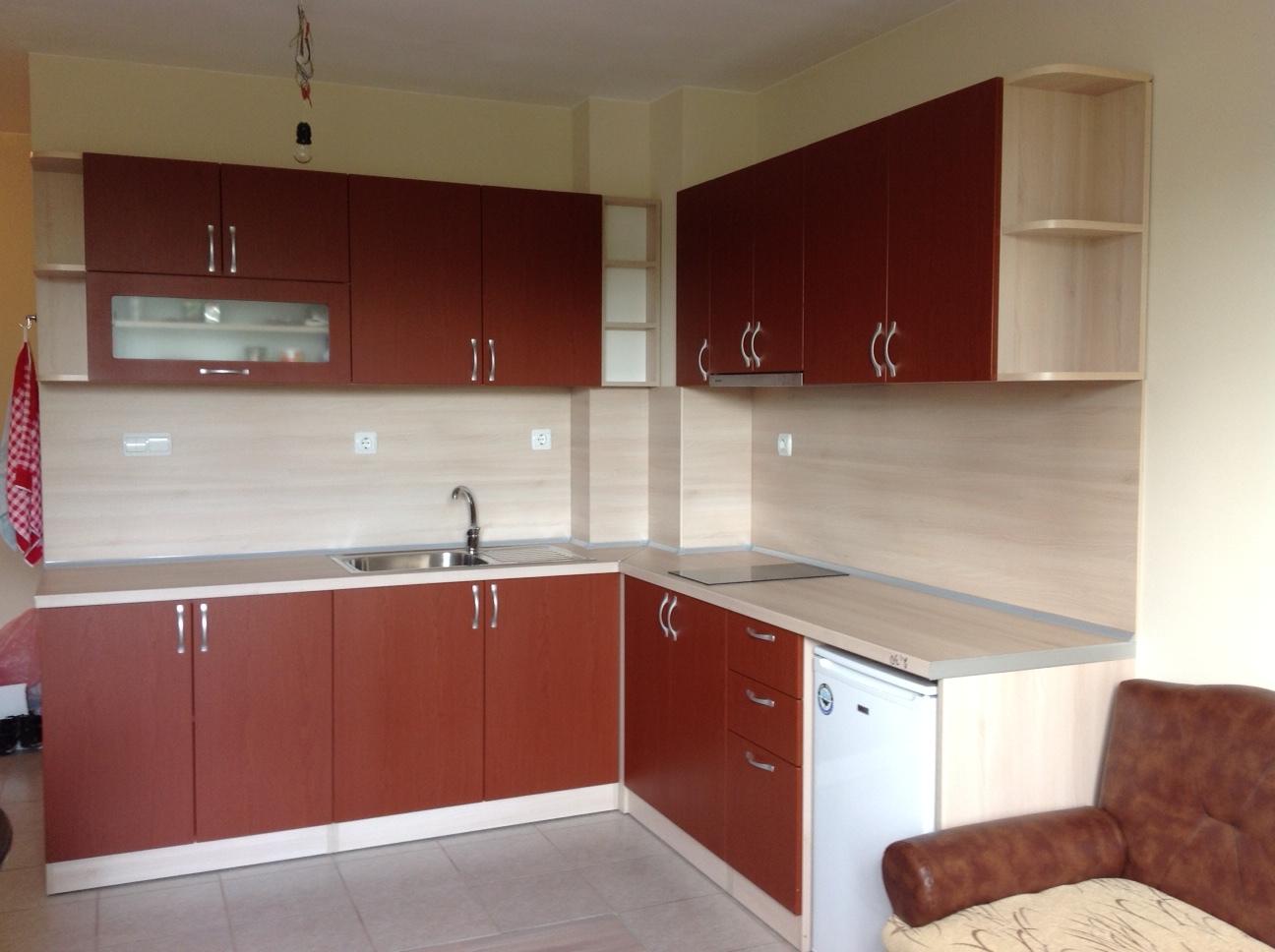 Кухня с мембранни врати