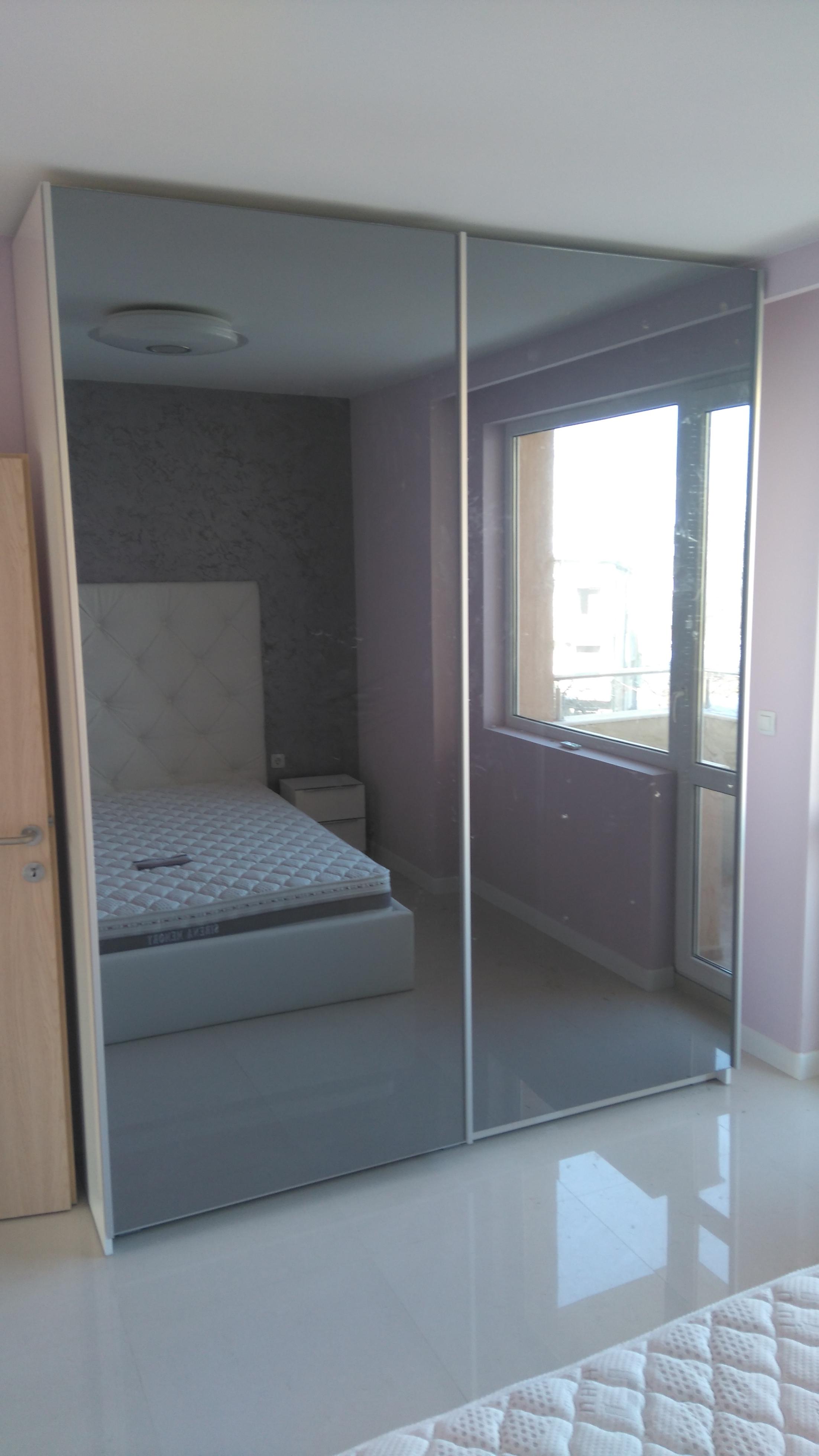 гардероб с пл.врати и огледала